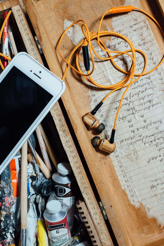 creatief_boekhouder_romke_jellema_death_to_stock_-iphone-oordoppen